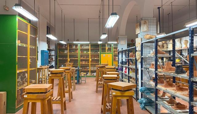 Volumen y modelado en cerámica. Escuela de Arte La Palma