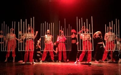 Los alumnos de Escultura aplicada al Espectáculo de la Escuela de Arte La Palma colaboran con el IES Lope de Vega en una obra teatral