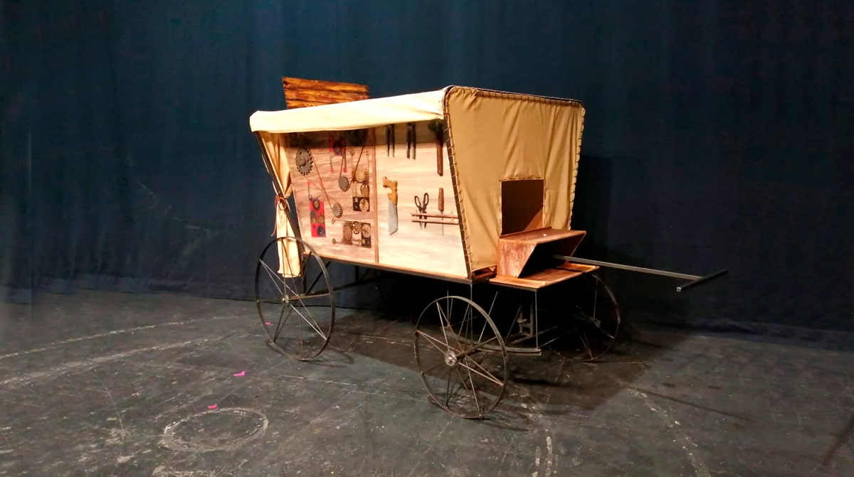 Escultura-para-el-estreno-de-la-ópera-Il-Buontempone-1